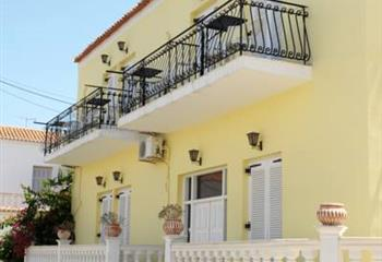 Studio & Appartment in Spetses, Greece Hotel Villa Plaza