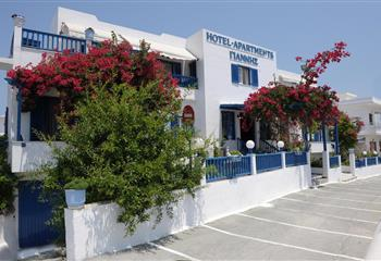 Hotel & Appartment in Milos, Greece Giannis Hotel Apartments