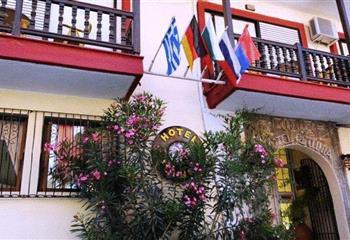 Hotel in Chalkidiki, Greece Hotel Petunia