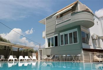 Hotel & Appartment in Thassos, Greece Discovery ApartHotel and Villas