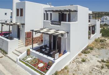 Studio & Appartment in Milos, Greece Niriides