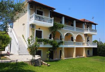Studio & Appartment in Zakynthos, Greece Studios Petra
