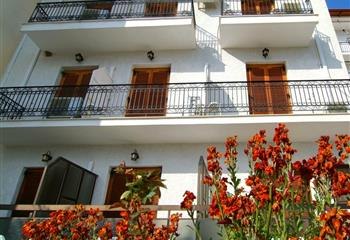 Hotel in Delphi, Greece Hotel Orfeas