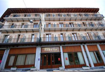 Hotel in Karpenision, Greece Hotel Elvetia