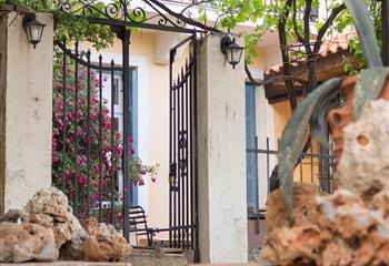 Studio & Appartment in Mystras, Greece Archontiko